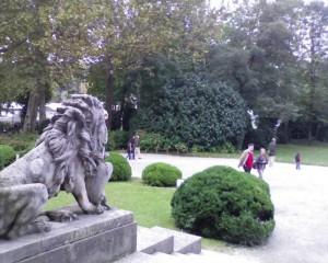 Parte di parco antistante la villa