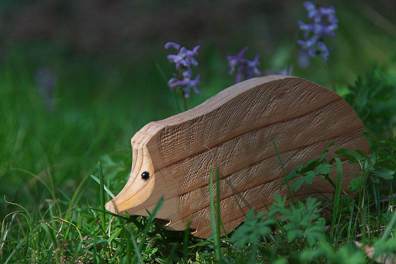 Casette rifugio mangiatoie e sagome in legno per abbellire i nostri giardini amici in giardino - Riccio in giardino ...