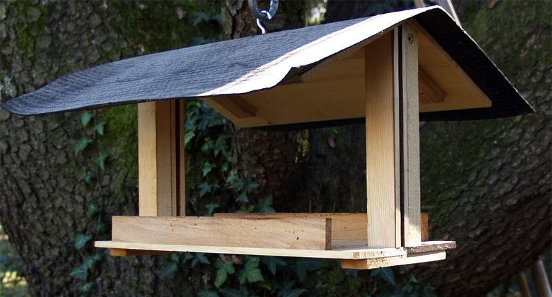 """abbastanza Casette rifugio, mangiatoie e sagome in legno per """"abbellire"""" i  AJ25"""