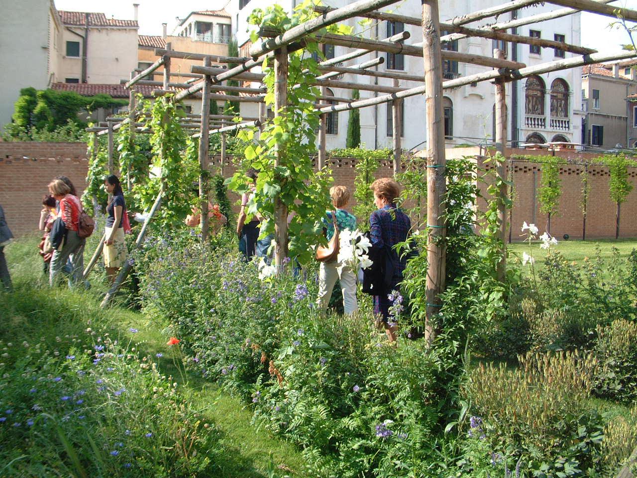 Amici in giardino giardinaggio e dintorni giardinaggio for Piante da stagno
